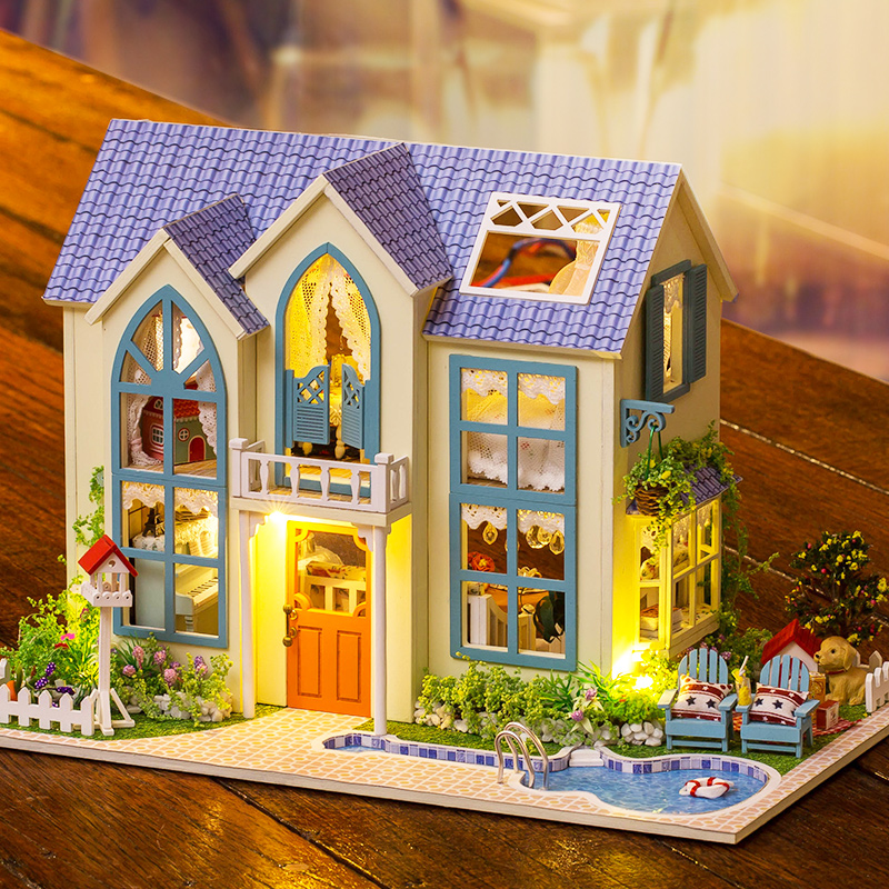 Hoomeda 13838 DIY Dollhouse Kit Victoria Cottage With L