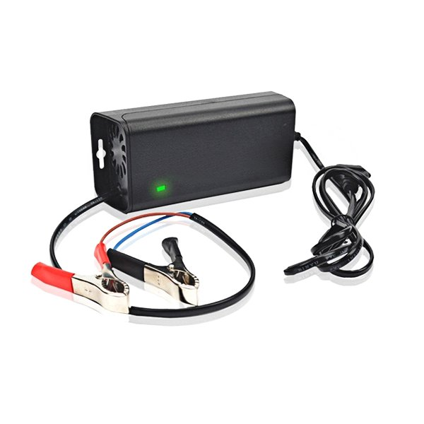 Suoer 12V Smart Fast Lead Acid Battery Charger For Car